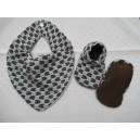 Tørklædesmæk med babysko sæt